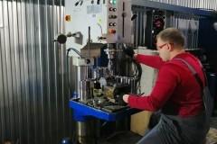 Сверлильный станок 2Т150 в работе